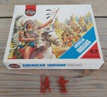 Figurines  / AIRFIX / AMERICAN INDIANS HO/00 / 2 PIECES + Boîte D'origine - 1975 - Figurines