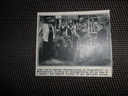 """Origineel Knipsel ( 1512 )  Uit Tijdschrift """" De Stad """" 1933  :   Boogschieten  Tir à L' Arc  Melle - Bij - Gent - Alte Papiere"""