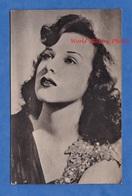 Carte Photo - Portrait De Deanna DURBIN Actrice Née à Winnipeg Et Morte à Neauphle Le Château Cinema Film Movie - Entertainers
