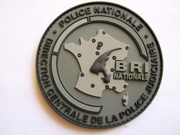 RARE ECUSSON TISSUS PATCH  POLICE NATIONALE LA BRI (NATIONALE) EN PVC SUR VELCROS ETAT EXCELLENT - Police