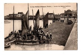 85 - LES SABLES D'OLONNE . ARRIVÉE DES BATEAUX SARDINIERS - Réf. N°9435 - - Sables D'Olonne
