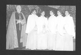 ENFANTS - LES QUINTUPLÉES - LES JUMELLES DIONNE NÉES EN 1934 NÉES À CALLADER ON. ELLES GRANDISSENT ÉVIDEMMENENT - Groupes D'enfants & Familles