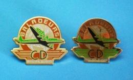 2 PIN'S //   ** AVION / DOUGLAS DC-4  ** BALADEURS CD / PHILIPS AUDIO ** - Badges