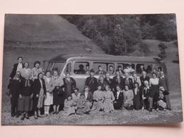 Bus Met Toeristen ( Zie Foto's ) Anno 1950/60 : Waar, Wie & Wanneer ?? ! - Anonieme Personen