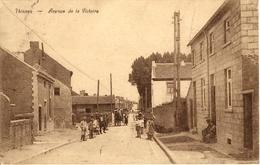 Thisnes (Hannut). Avenue De La Victoire. Belle Animation - Hannuit