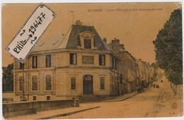 53 Mayenne - Cpa / Caisse D'Epargne Et Rue Ambroise-de-Loré. - Mayenne