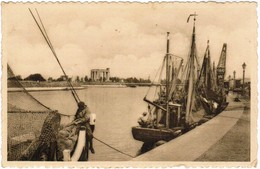 Nieuwpoort, De Haven En Het Gedenkteken  (pk44318) - Nieuwpoort
