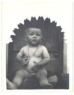 Photo Ancienne Bébé Assis - Photos