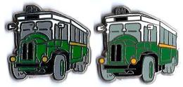 RATP - R7 -  BUS 84 - 2 Pin's Différents - Verso : SM / MADE IN FRANCE - Transportation