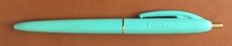 Stylo Bille Ancien BIC De Couleur Vert Pâle - Pens