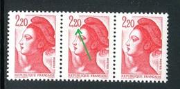 France - N° 2376 - 1 Exemplaire Chiffre 2 Tronqué Dans Une Bande De 3 , Neufs ** - Ref VJ143 - Variétés: 1980-89 Neufs