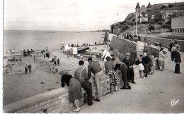 Arromanches Les Bains Port De La Liberation La Plage Et La Digue CPM Ou CPSM - Arromanches