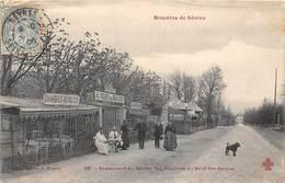 92-SEVRES- LES BRUYERES DE SEVRES- RESTAURANT DU ROCHER DES BRUYERES AU PAVE DES GARDES - Sevres