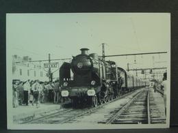 SNCF Locomotive à Vapeur 230 G 353 En Gare De Sens En 19?? - Trains