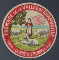 """Ancienne Etiquette Fromage Chèvre  De La Vallée De Chambrille  La Mothe St Heray 2 Sevrés """"femme Coiffe Chevres"""" - Cheese"""
