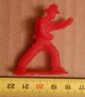 WW II/WORLD WAR SOLDIER -PLASTIC - Tin Soldiers