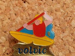 Pin's -  VOLVIC - Kayak - Beverages