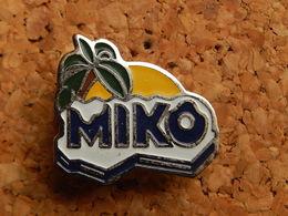 Pin's -  MIKO - Food