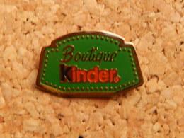 Pin's -  KINDER - Food
