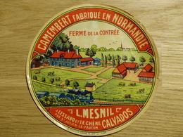 Camembert Ferme De La Contrée L. Mesnil à Lessard Et Le Chêne - Cheese