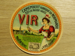 Camembert Vir Martin Frères à Vire - Cheese