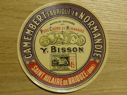 Camembert Y. Bisson à Saint Hilaire De Briouze - Cheese
