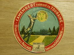Camembert Le Gitonnière ètablissement Paillaud à Chateauneuf - Cheese