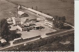 ISIGNY SUR MER ( Calvados ) - Coopérative Laitière D'Isigny. Série La France Vue Du Ciel - Carte S. M 10 X 15  N. Et B. - Other Municipalities