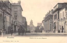 BRUXELLES - Musée Et La Rue De La Régence - Lanen, Boulevards