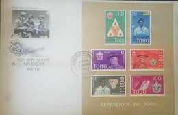 L) 1961 REPUBLIC OF TOGO, HONORING THE BOY SCOUT MOVEMET, FLEUR OF LIS, SCOUT, PEOPLE, ROBERT BADEN POWELL, DANIEL CARTE - Togo (1960-...)