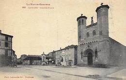 31)  CAZERES  -  Grande Place - Autres Communes