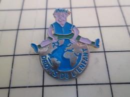 PIN313D Pin's Pins / Rare Et Beau : DROITS DE L'ENFANT GLOBE TERRESTRE - Medical