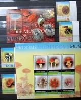 Papua New Guinea  Mushrooms  Pilze S/S + M/S + 4 V  MNH - Mushrooms