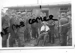 92 NANTERRE SOLDATS ALLEMANDS CAMP CASERNE COIFFEUR - Nanterre