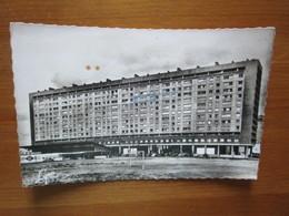 Nanterre. Les Nouveaux Immeubles. Avenue De La Republique. Abeille 1869 Lyna - Nanterre