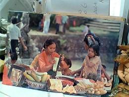 INDONESIA BALI MENYIAPKAN RUJAK  FRUIT KCOCKTAIL N1975 GR1064 - Indonesia