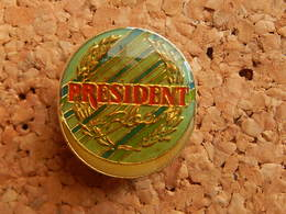 Pin's -   CAMEMBERT PRESIDENT - Food