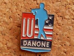 Pin's -   LU - DANONE - Food