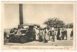 RENAULT 6 ROUES - ASIE MINEURE - Un Dispensaire Automobile Des Filles De La Charité De St-Vincent De Paul - Voitures De Tourisme