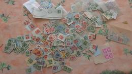 Suisse Vrac De 100 Gr Plusieurs Centaines Timbres Sur Fragment Ou Détachés Avec Nombreuses Oblitérations - Stamps