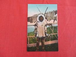 Eskimo Drying Fish  -ref 2930 - Native Americans