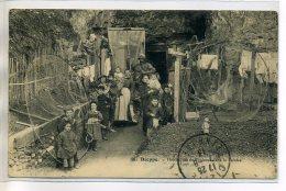 76 DIEPPE 167 Delabarre édit  - Maison  Famille De Pecheur Dans La Falaise  Filets Etendus 1913 écrite    /D12-2018 - Dieppe