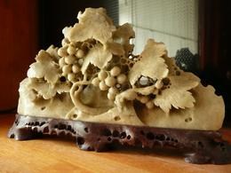 Chine - Paysage Sculpté D'un Renard Dans Les Vignes - Stéatite - Milieu XXe - Asian Art