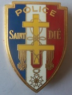 INSIGNE DE POLICE DE SAINT DIE - Police