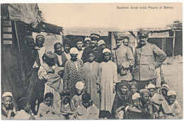 LYBIE, DERNA - Bambini Arabi Sulla Plazza - Libya