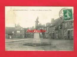 [61] Orne > LA SAUVAGERE La Place Et La Statue De Jeanne D'Arc - Autres Communes
