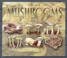 Malawi 2003 Yvert 729-34, Mushrooms - MNH - Malawi (1964-...)
