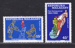 MADAGASCAR N°   458 & 459 ** MNH Neufs Sans Charnière, TB (D6886) Plan Quinquennal - Madagaskar (1960-...)