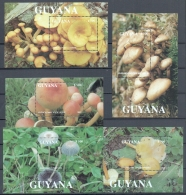 Guyana 1993, Mushrooms - Miniature Sheets - MNH - Guyana (1966-...)