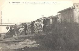 CPA Arcachon Ile Des Oiseaux Chasseurs Aux Cabanes - Arcachon